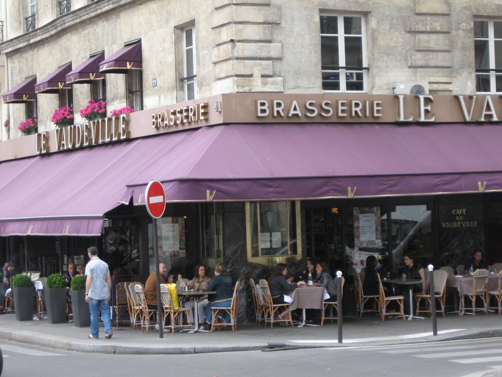 Resultado de imagem para restaurantes em paris bons e baratos