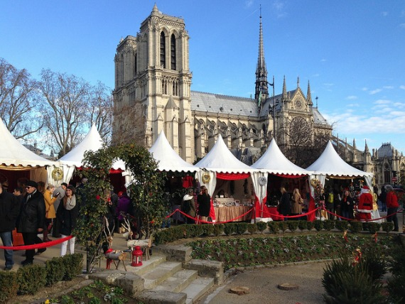 Paris-Notre-Dame-Christmas-Market-by-Heather-Cowper